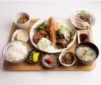 ヨドバシ博多|レストラン|七色...